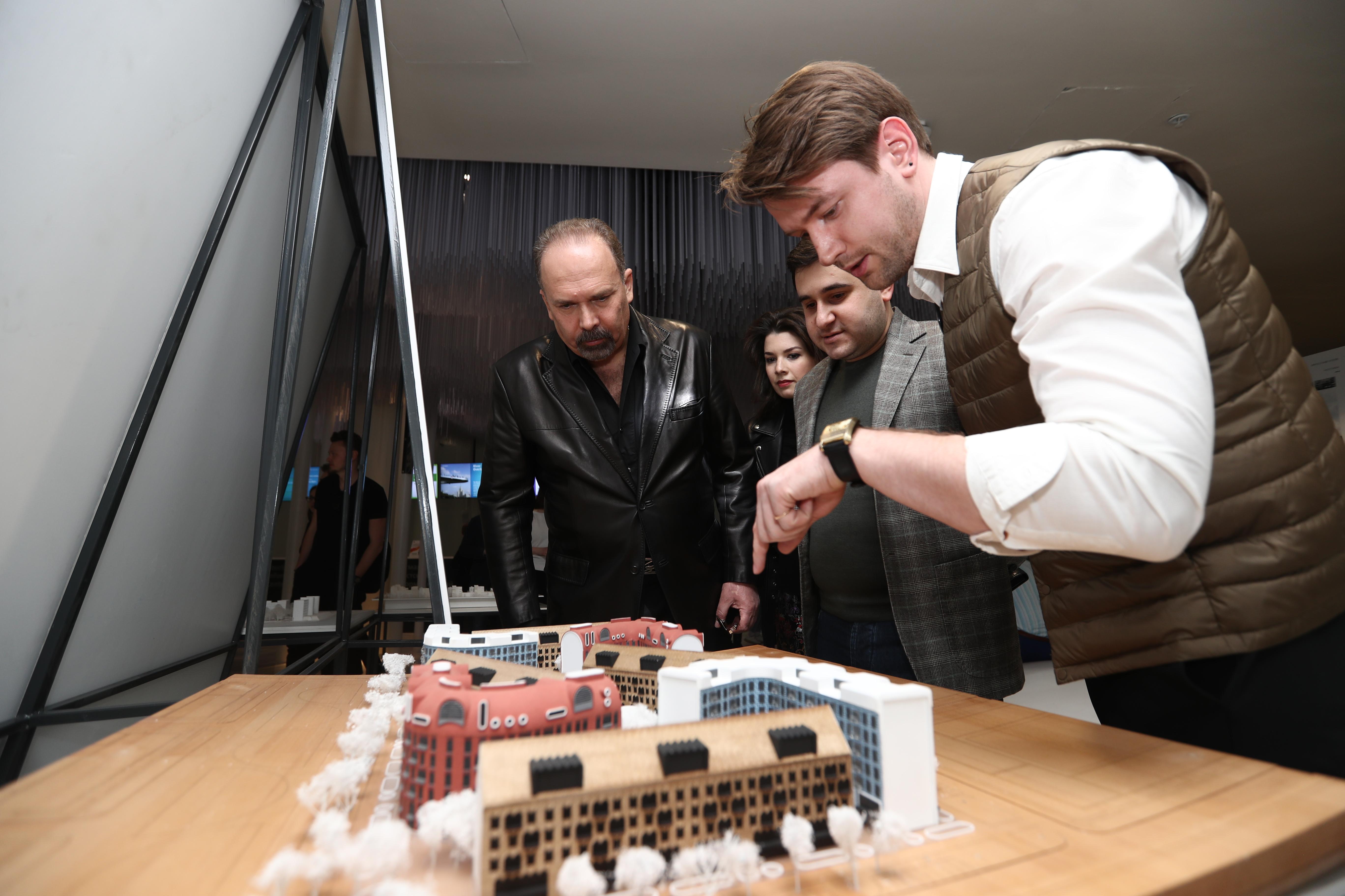 Глава Минстроя России встретился с финалистами молодежной архитектурной биеннале