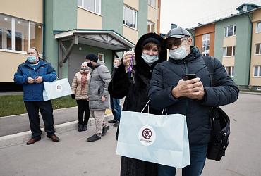 Около 40 переселенцев из аварийного жилья получили ключи от новых квартир в подмосковном Ногинске