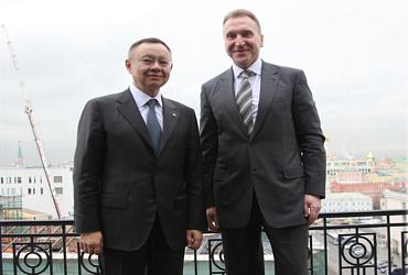 Ирек Файзуллин и Игорь Шувалов провели рабочую встречу в штаб-квартире ВЭБ.РФ