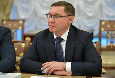 Президент поручил компенсировать регионам выпадающие доходы из-за роста цен на топливо