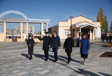 Глава Минстроя России открыл в башкирском городе Ишимбай благоустроенную площадь имени Ленина