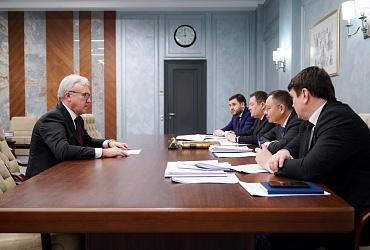 Глава Минстроя России Ирек Файзуллин провел встречу с губернатором Красноярского края Александром Уссом