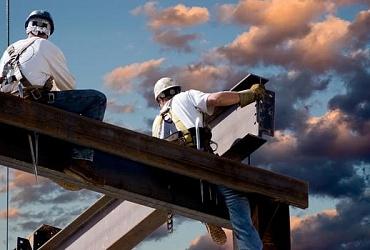 Утверждены три государственных стандарта, связанных с безопасностью строительных работ на высоте