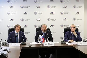 Минстрой России призвал строительные организации ускорить подачу заявок в нацреестр специалистов